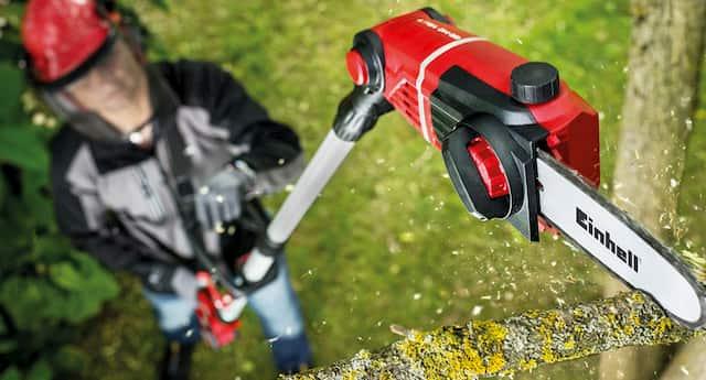 Podadora telescópica a distancia para ramas altas