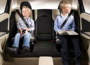 Los 7 mejores alzadores de niños para el coche